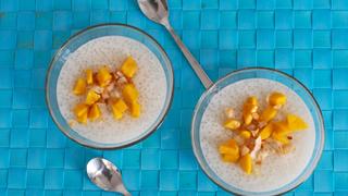 Isteni glutén- és tejmentes finomság: kókusztejes tápiókapuding friss gyümölccsel
