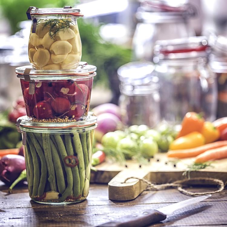 Hogyan kell jól kovászolni? Nem csak uborka, más zöldség is mehet az üvegben a napra