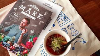 Lakatos Márk szakácskönyve olyan, mint ő maga: színes és szeretnivaló