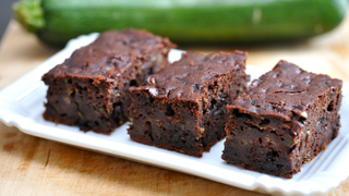 Cukkinis brownie: a csupa csoki sütemény egészségesebb verziója