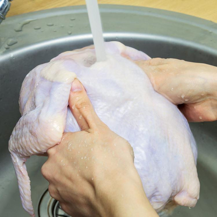 Meg kell mosni a húst és a tojást, mielőtt felhasználjuk?