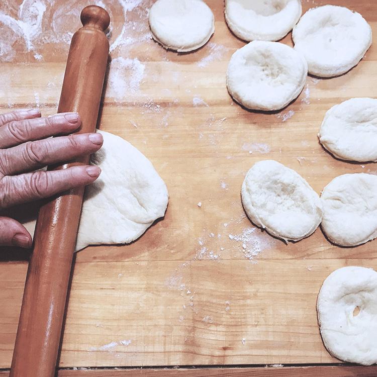 Nagyanyám szalagos fánkja: egy örökké tartó szerelem bizonyítéka