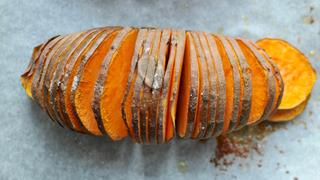 A Hasselback-módszer, amivel ropogósabb és ízesebb lesz a krumpli