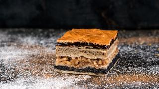A zsidó-magyar hagyomány egyetlen isteni süteménybe sűrítve - Raj Ráchel flódnija