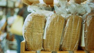 Mit nézzünk meg a csomagolt kenyerek címkéjén, ha fontos az egészségünk?