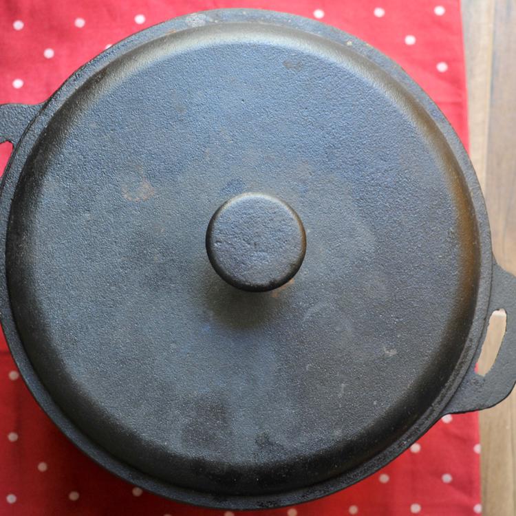 Miért csodálatos dolog vaslábosban főzni?