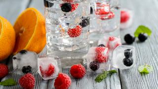 Gyümölcsös jégkocka házilag: bármelyik italt feldobja