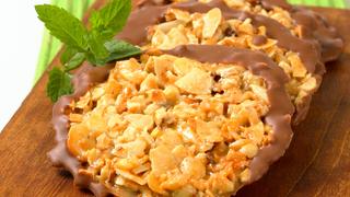 Narancsos, diós finomság roppanós csokoládétalppal - Moszkauer
