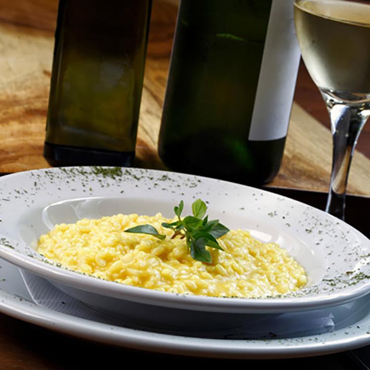 Egyszerű, krémes parmezános rizottó, ha gyorsan szeretnénk különlegesen finomat