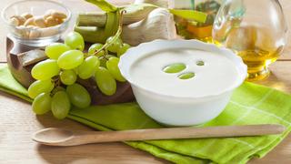 Főzni sem kell az andalúz fokhagymalevest - roppanós szőlővel és mandulával az igazi