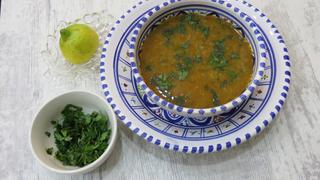 Így készül az erdélyi savanyú zöldbableves, más néven paszulycsorba