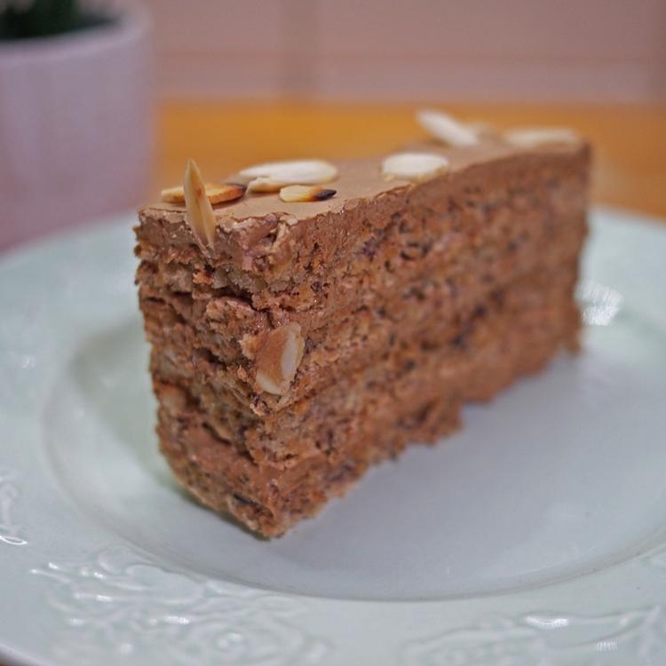 Tojáshabos, mogyorókrémes sütemény – Reformtorta 15 tojásból