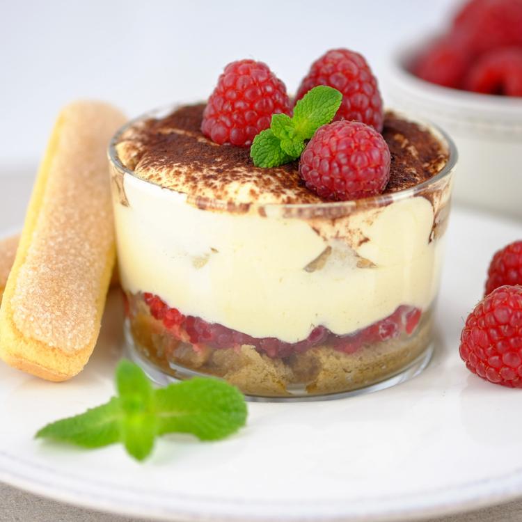Málnás tiramisu pohárkrém - Savanykás gyümölcs és édes krém találkozása