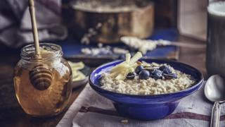 Melyik mézfajta mire jó? Gyomorpanaszra és torokfájásra is más a jó
