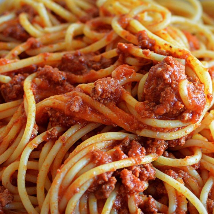 Vakációs ebéd: ha meg kell etetned egy rakás gyereket, főzz bolognai spagettit!