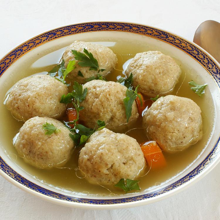 Gyógyító, isteni finom maceszgombócleves - A zsidó konyha kedvence