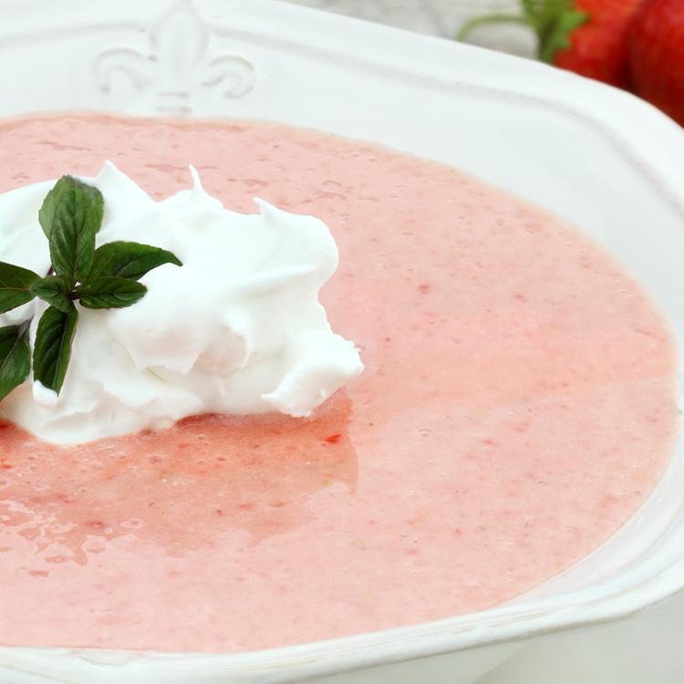 10 perces, sűrű, joghurtos eperkrémleves - Ínycsiklandó desszert is lehet