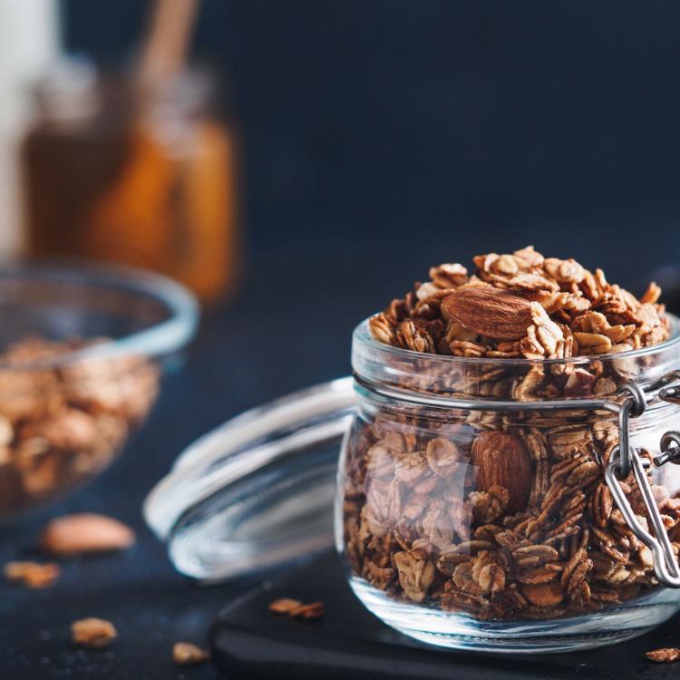 Így készül a mandulás-goji bogyós granola