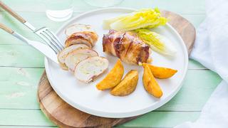 15 percet kell csak rászánnod erre a hétvégi ebédre: csirkemell, sajt, bacon