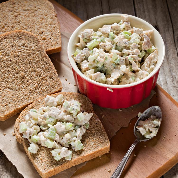 Maradék főtt húsból majonézes saláta: újrahasznosítás felsőfokon