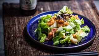 Japán cézár saláta ropogós lazactepertővel - Ez a változat is nagyon finom