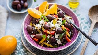 Gyors diétás lencsesaláta - holnapra még jobb lesz, viheted ebédnek is
