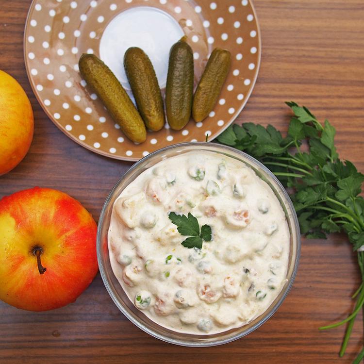 A klasszikus franciasaláta receptje – Sonka és sült húsok mellé kötelező