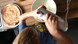 A gyerekkel együtt sütni nem csak jó szórakozás, okosak is lesznek tőle