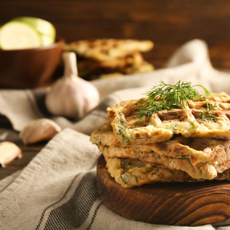 Finom és tápláló sós reggeli, ami még egészséges is: ez a cukkinis gofri