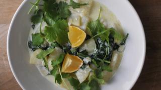 Savanykás, citromos újkrumplifőzelék friss zöldekkel - 20 perc alatt kész