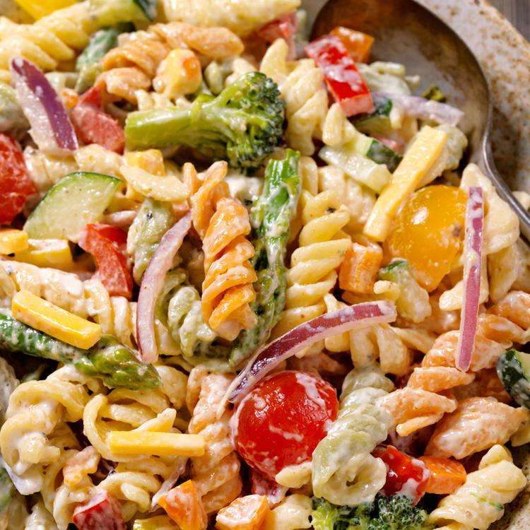 Roppanós zöldségek, krémes dresszing - Spárgás tésztasaláta