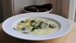 Ecetmentes savanyú krumplifőzelék: kovászos uborkától lesz frissítő
