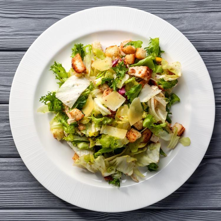 Finom, olasz, parmezános - készíts igazi Cézár-salátát