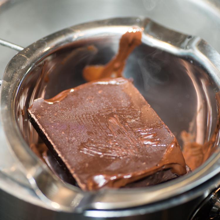 A csokoládéolvasztás alapszabályai - Így biztosan nem fog kicsapódni a kakaóvaj