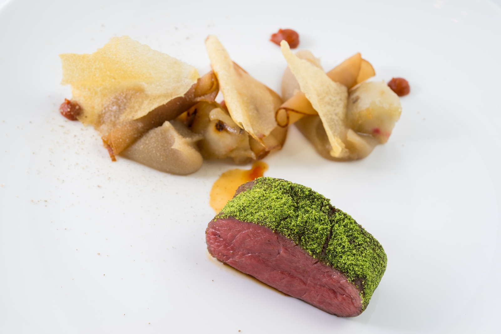 A körte több formában is szerepel, körtepüré, carpaccio, sőt, körteecet is van az ételben