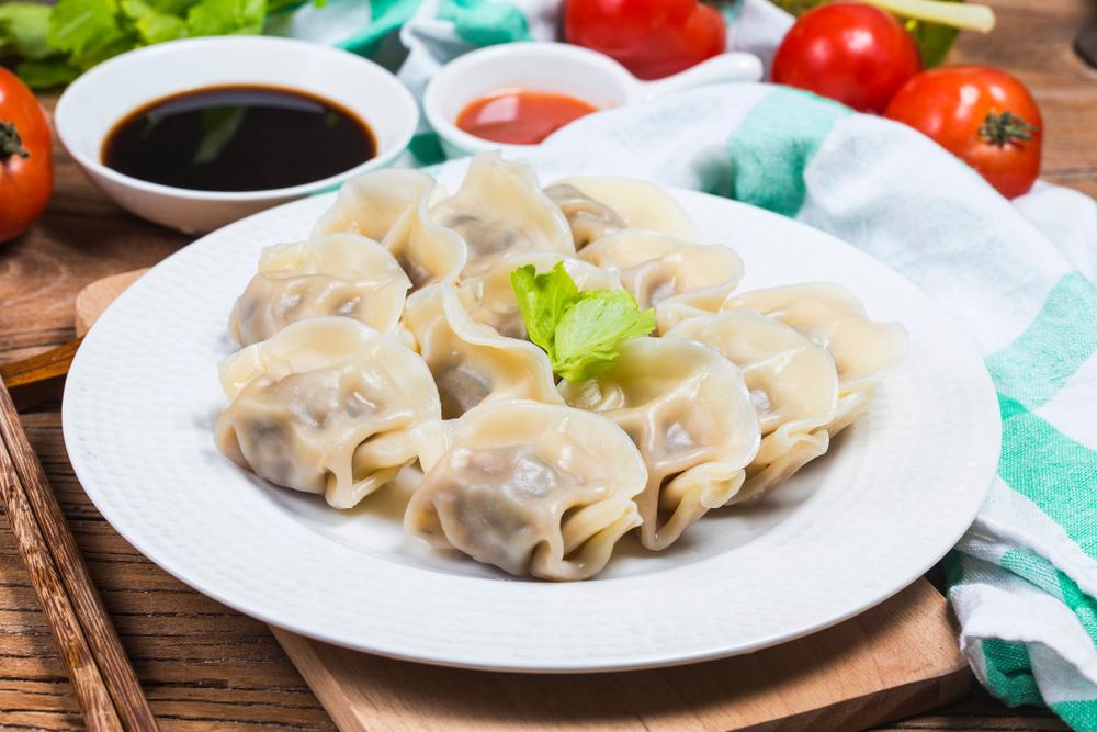 Ez pedig tipikus ázsiai gombóc, a japán és a kínai konyhában is találunk ilyesmit, az éttermekben gyosa néven a leggyakoribb