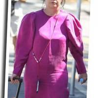 Jujj, ezt nem kéne: Björk lila ruhában