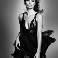 Kate Moss karácsonyi ruhasorozata a Topshopban