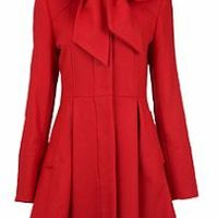Kabát-sarok: Piroska piros kabátja