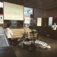 Ezekben a percekben mutatta be idei járművét a BME Formula Racing Team! Az autó gyönyörű, mint mindig! Gratulálunk a csapatnak és sok sikert kívánunk a versenyeikhez!;) #bme #bmefrt #rollout