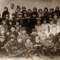 Osztálykép valamikor a '20-as évek végéről (Somogyjád)