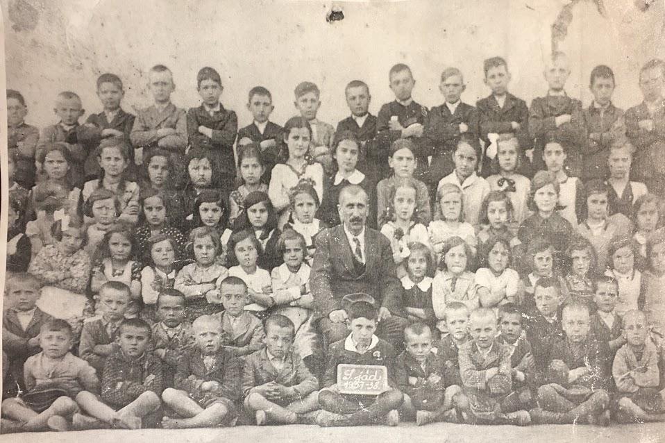 osztalykep_1937-1938.JPG