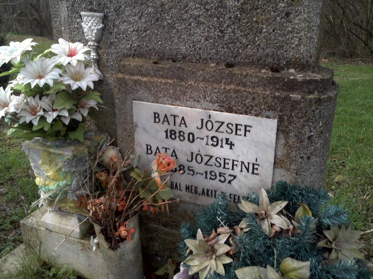 Bata József és Böjtös Katalin sírja (Somogyjád).jpg