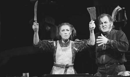 Thomas Allen és Felicity Palmer a Sweeney Toddban