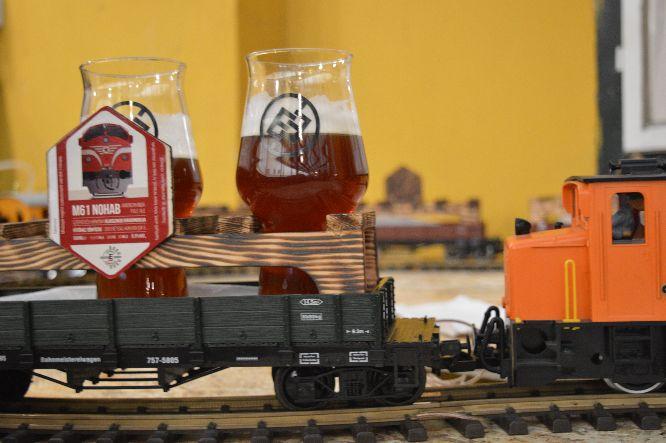 """Krónikás ének április 7-ről, avagy a """"mozdonyos sörök"""" csapfoglalása a Food Truck Udvarban"""