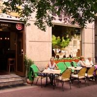 Csapolt Heineken  a Cafe Zenitben