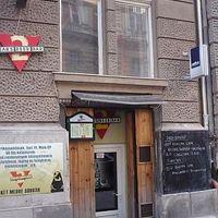 2 Bears Beer Bar / 2 Medve Sörbár