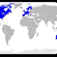 A föld adóssága: 313%