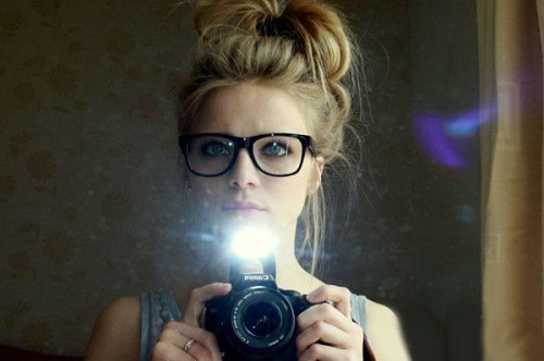 messy-bun-hairstyles-for-women-with-hipster-glasses-photos-images.jpg