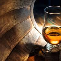 Mennyi whiskyt iszol háromszázon?